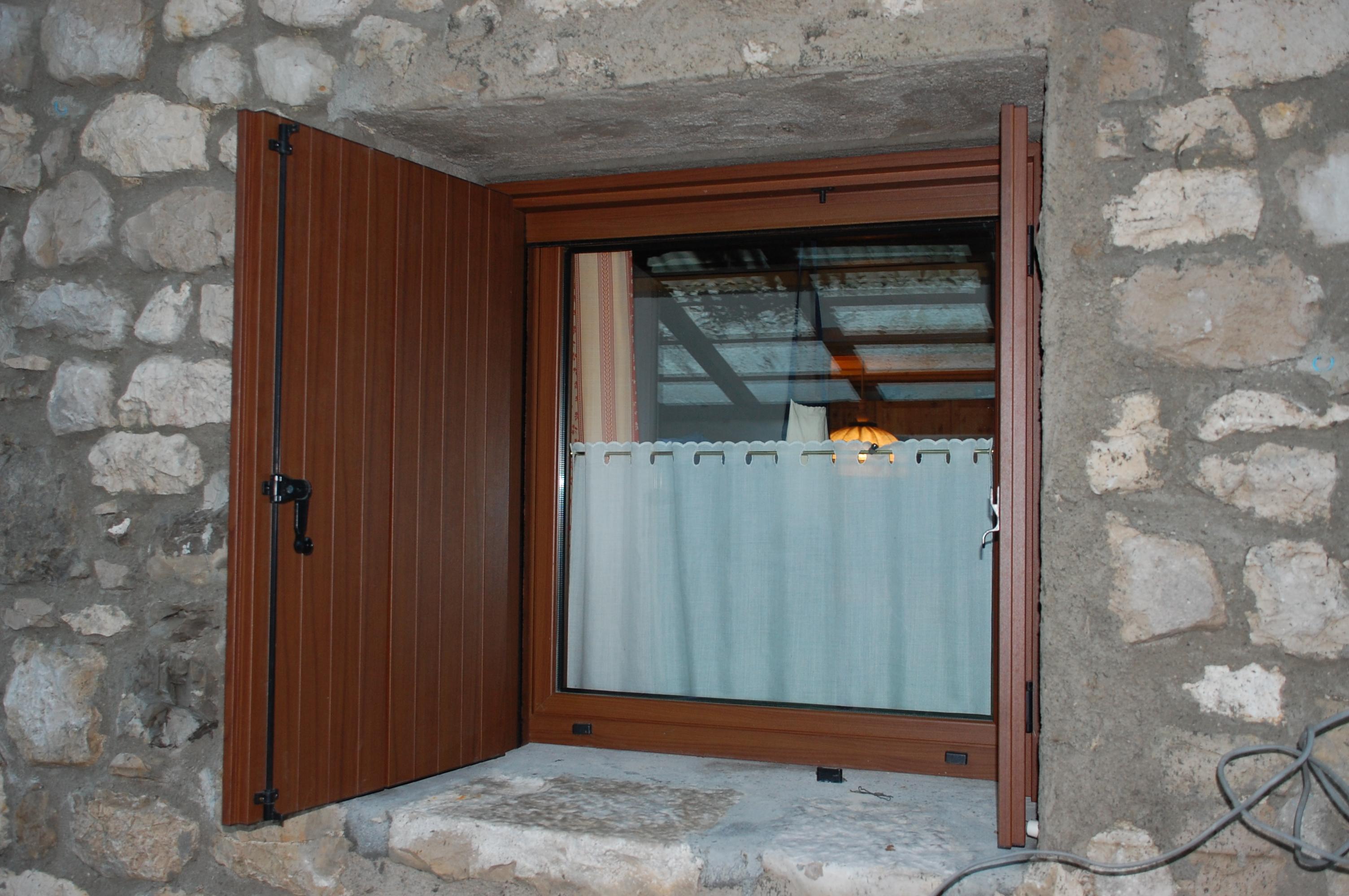 Foto serramenti in alluminio pillon s r l - Finestre alluminio effetto legno ...